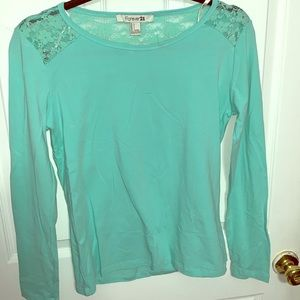 NWT cotton mint top with lace detail